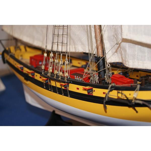 Détails 2 - Maquette du cotre corsaire Le Renard Robert Surcouf